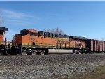 BNSF ES44C4 8367