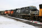 Roster Shot of NS 7501 with BNSF 8114