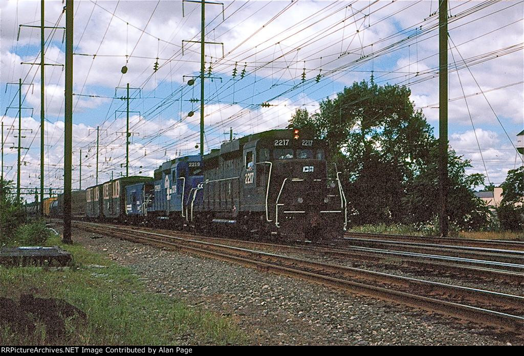 CR GP30's 2217 and 2219