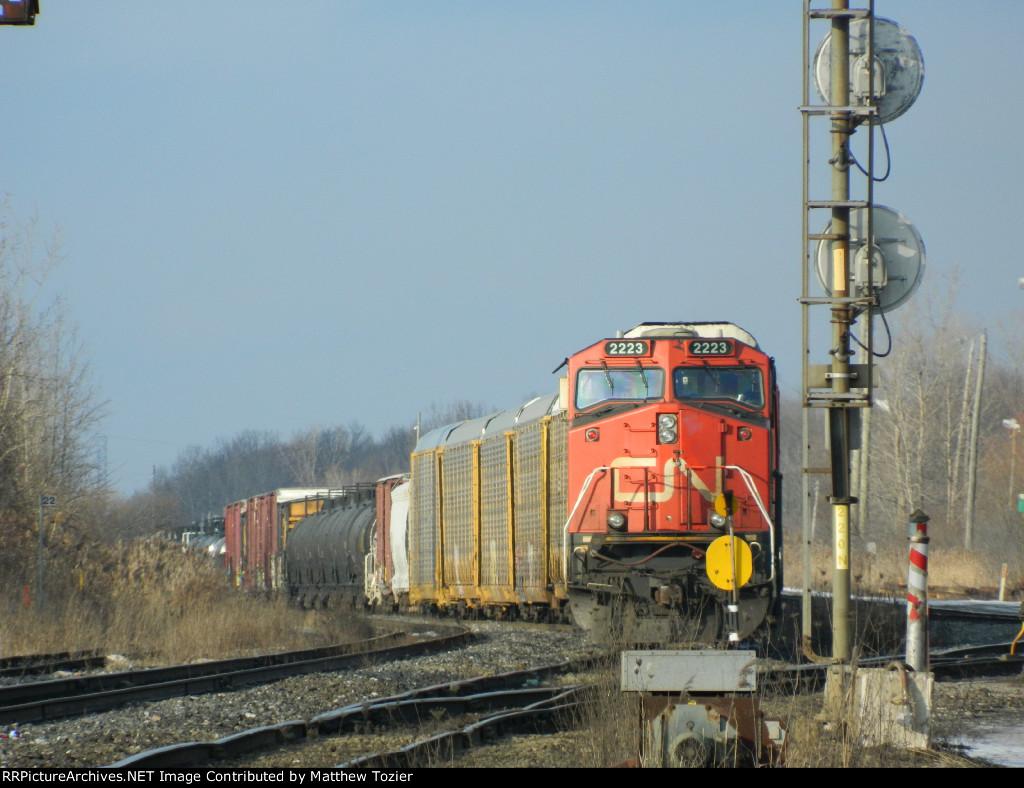 CN ES44DC 2223
