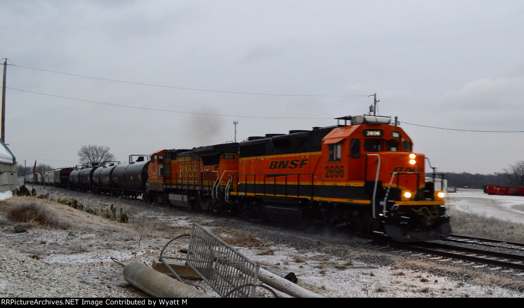 BNSF 2696 and 530