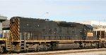 GECX 8631 arrives on train G910