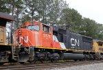 CN 5778 works on NS train 6W4