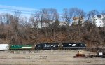 NS NS H76 enters the WASS at 10:48 with eight freight cars in tow
