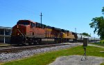 BNSF 6529 and UP 4088