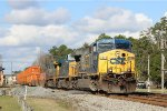 CSX L025 w/ another AC6000CW leader