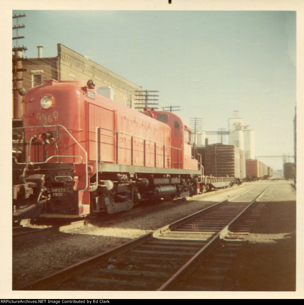 GM&O RS-3 1520  West bound local    1965-1968?