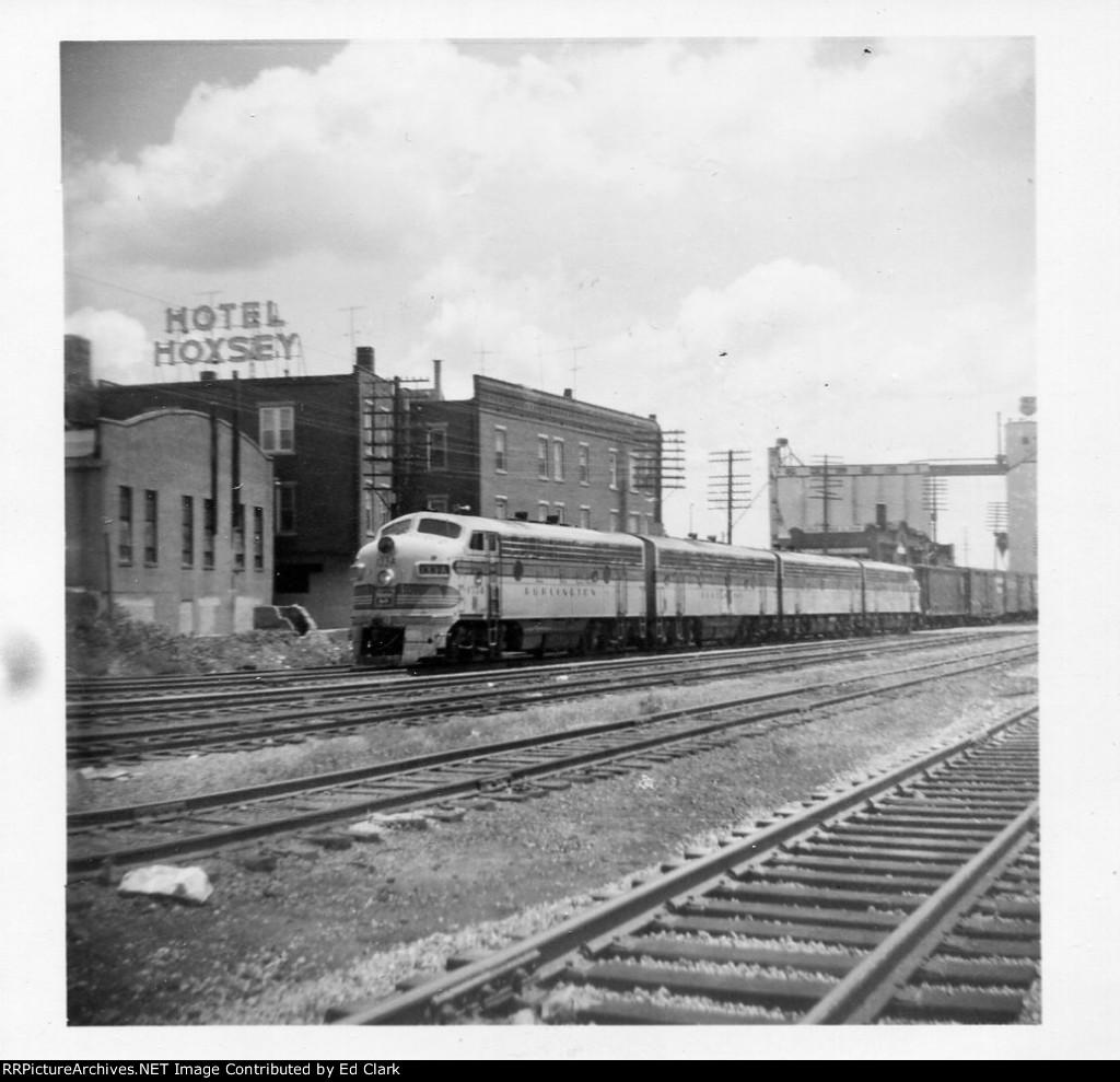 CB&Q Westbound freight  1965-68?