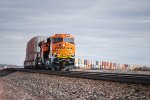 BNSF 5533 keeps on rolling east as She makes the gradual east turn towards Holbrook AZ.