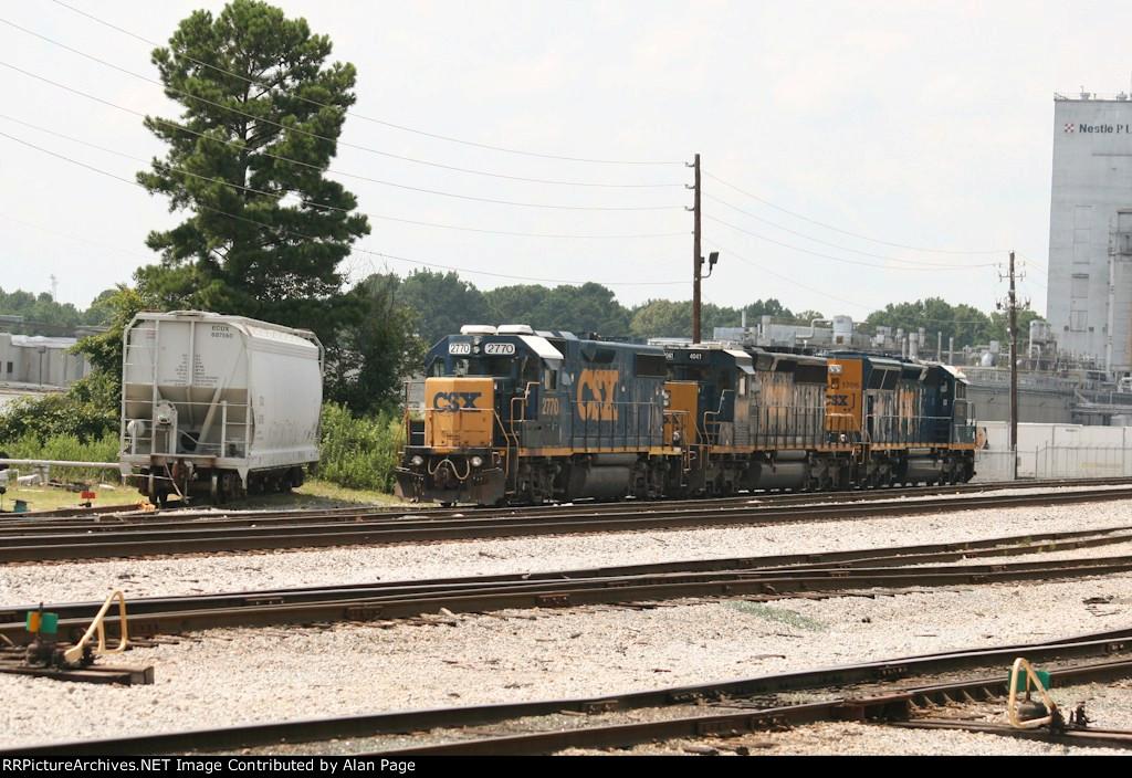 CSX GP38-2 2770, SD40-3 4041, and SD40E3 1705