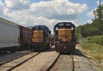 CSX SD40E-3 1705 and GP40-2 6350