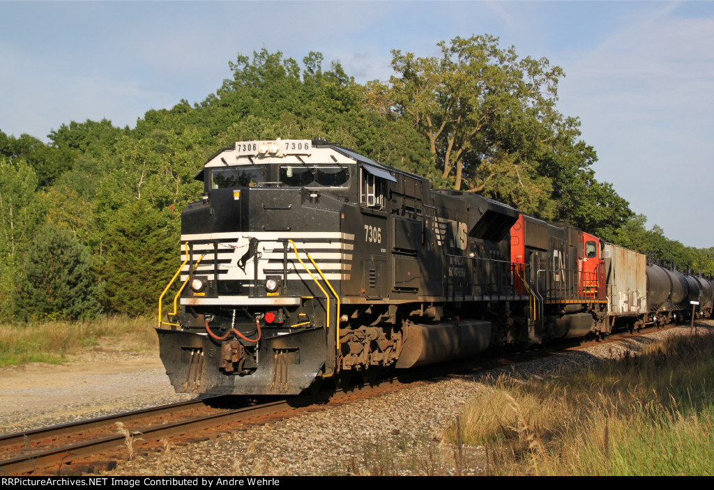 NS 7306 with 687 approaching CR P and the east switch