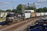 NS 8450 On NS Grainer Westbound