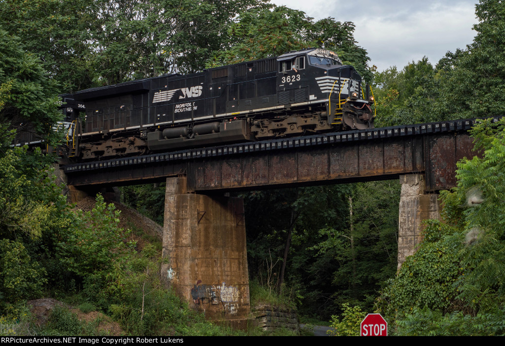 NS 3623 leads NS 776 on the ridge at Boones Mill