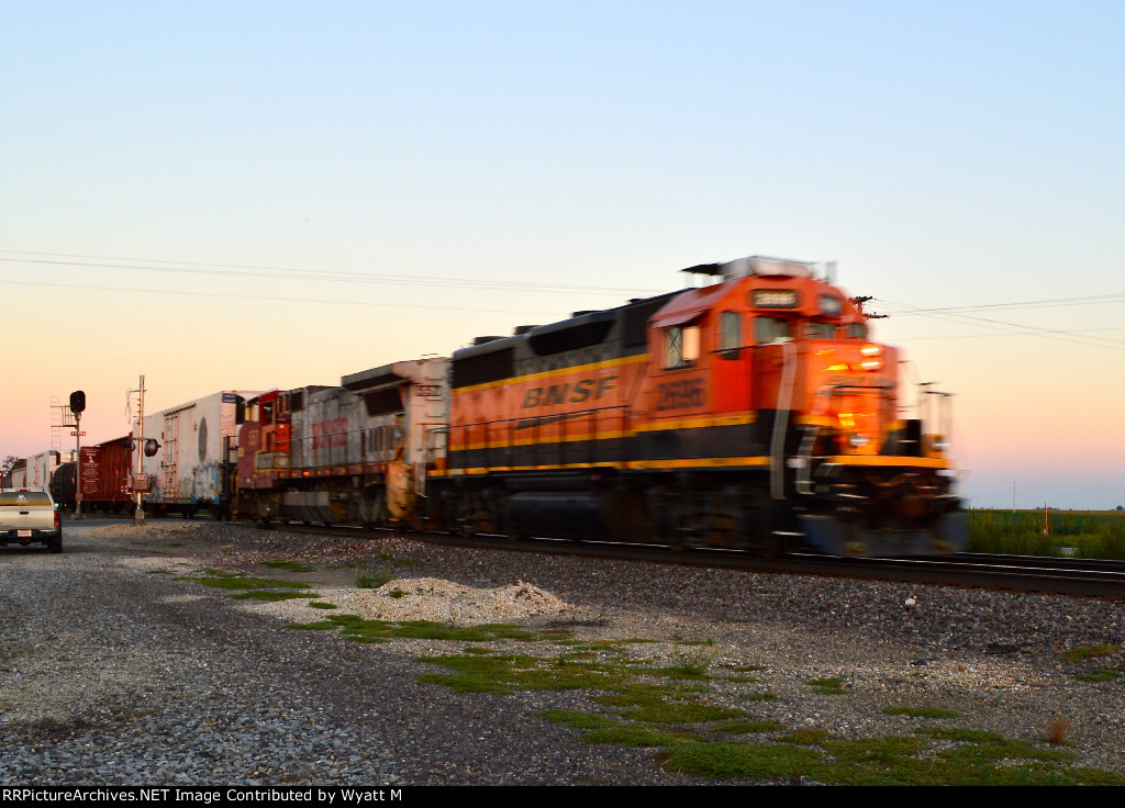 BNSF 2696 and 557