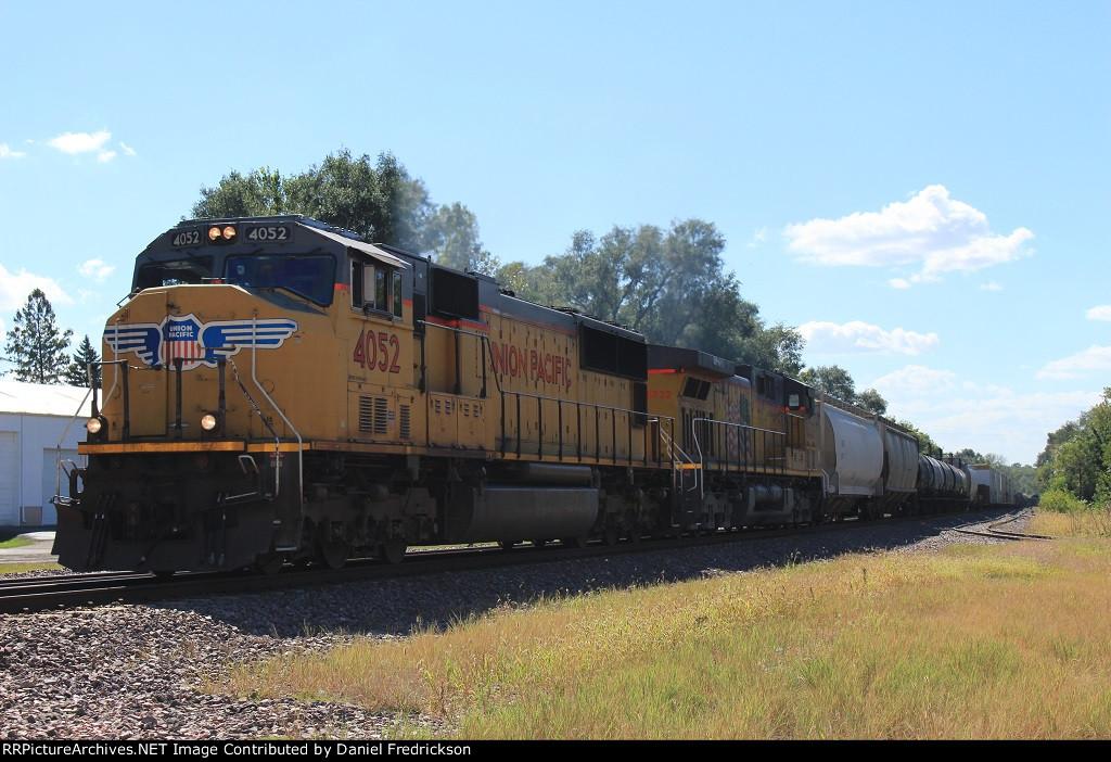 UP 4052