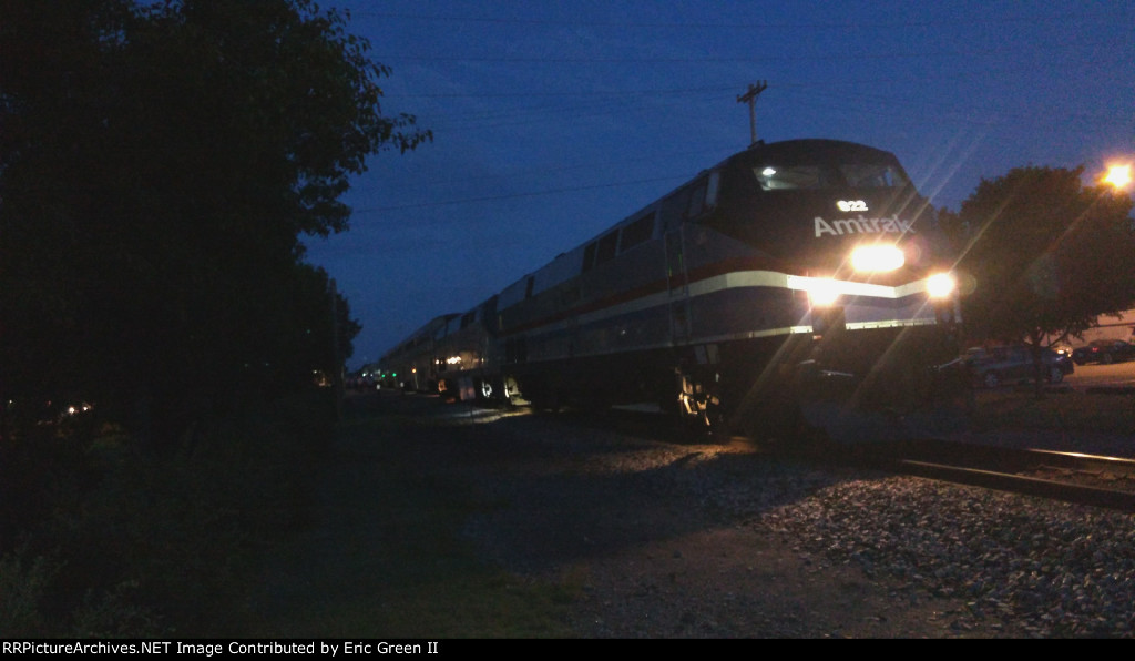 AMTK 822 & 162 leading Amtrak #822 (Heartland Flyer)