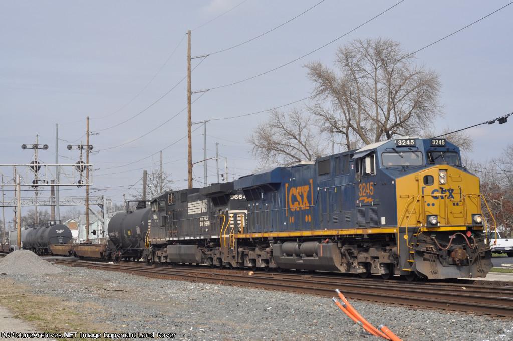 CSXT 3245 On CSX Q 365 Southbound