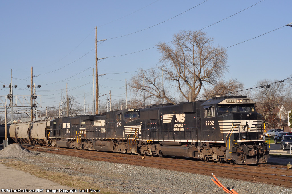NS 6902 On NS 48 R Eastbound