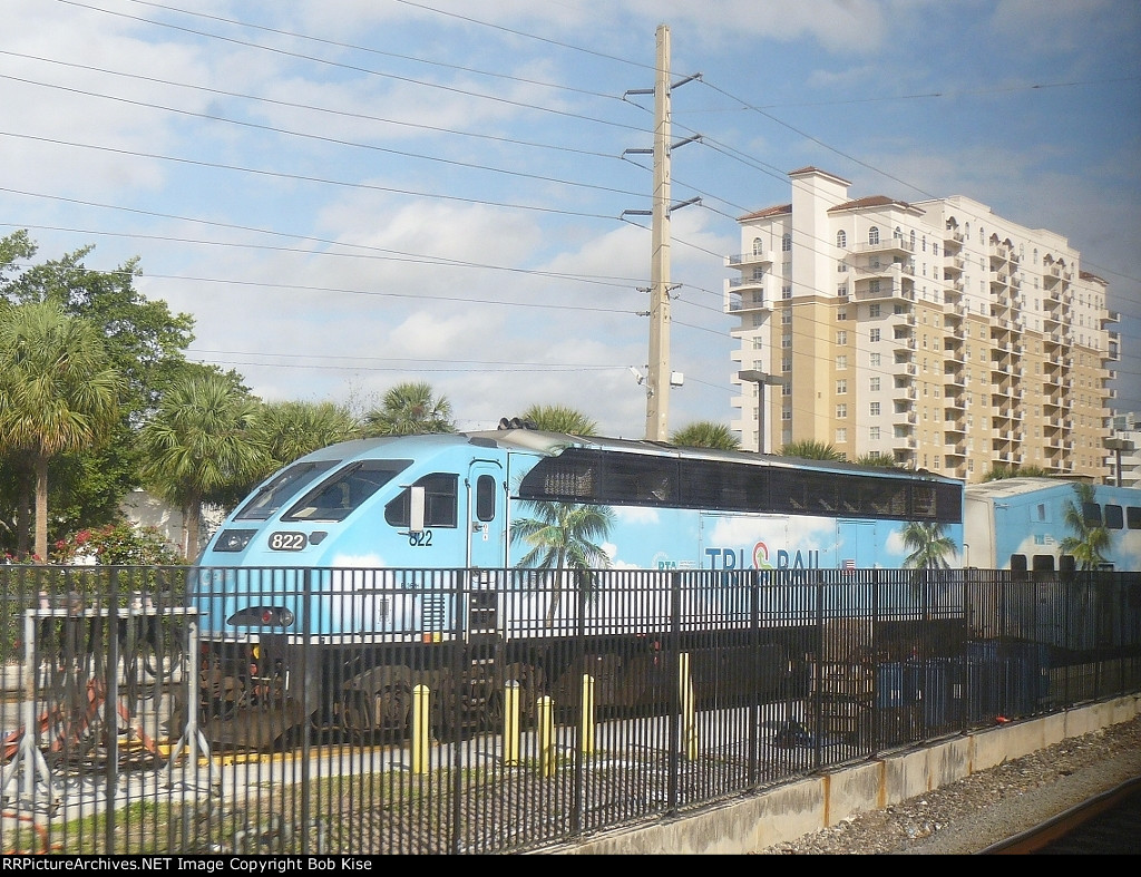 TRI-Rail power waiting for the next run
