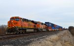 BNSF 7285 and 4208