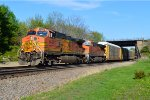 BNSF 5402 and 6931