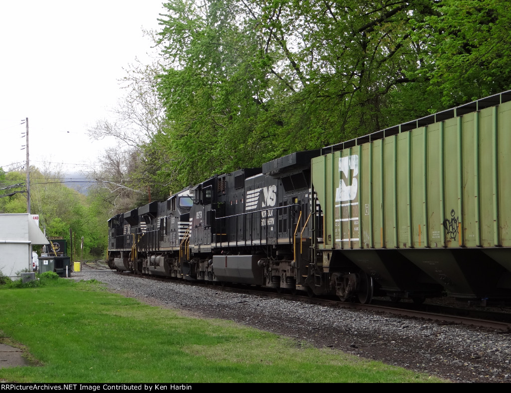 NS 1050/8067/8979 on the Stroudsburg Secondary
