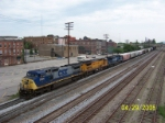 CSX 7914 leads southbound CSX train