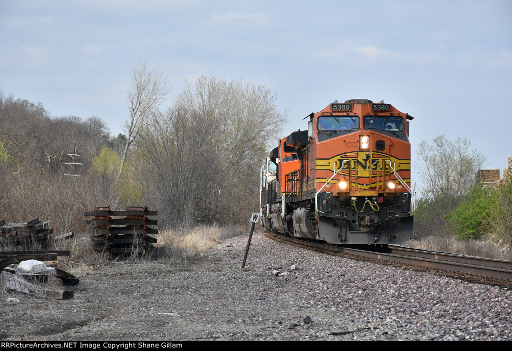 BNSF 5380 Rolls the curve into Old Monroe Mo.