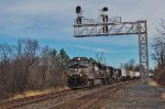 NS 9147 leads westbound pigs through Blandon