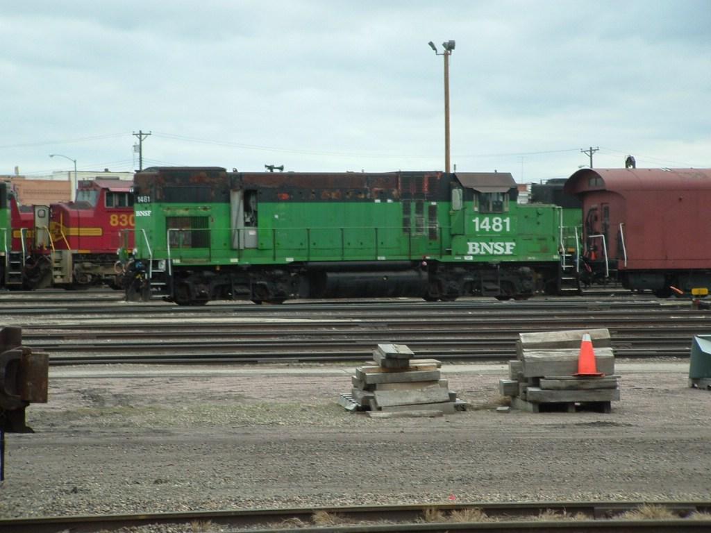 BNSF 1481 GP15-1