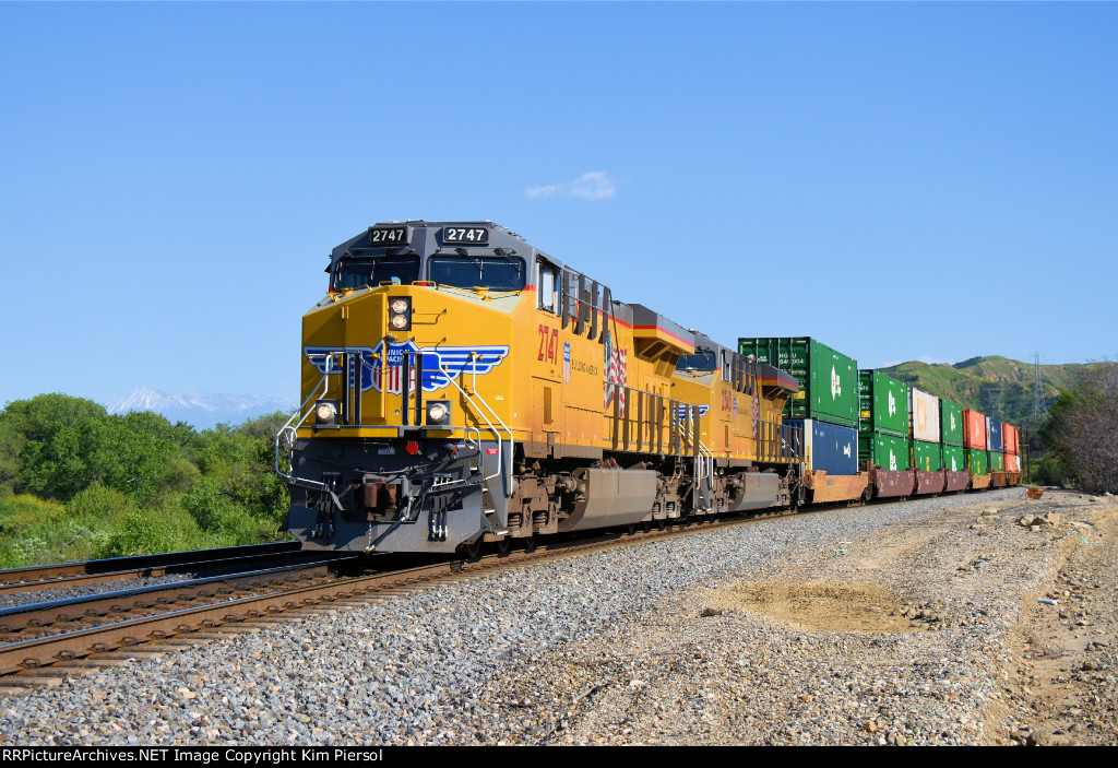 UP 2747 on Beaumont Hill
