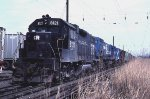 CR SEEN with GP38-2 8121