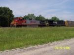 BNSF 792 & NS 8993