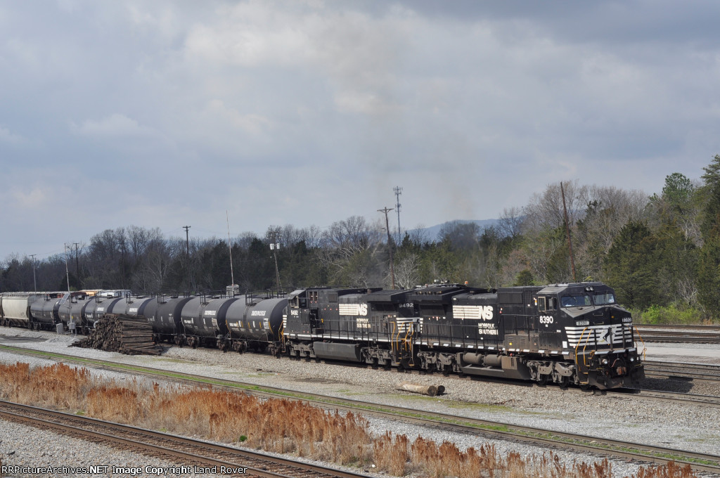NS 8390 On A Northbound North End Of The Yard