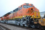 Zoomed in Close Up of BNSF 3732 and BNSF 3740.