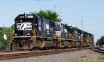 NS (Norfolk Southern) EMD SD70 Locomotive