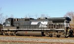 NS (Norfolk Southern) GE C40-9 Locomotive