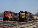 CN 5605 and CSX 6985