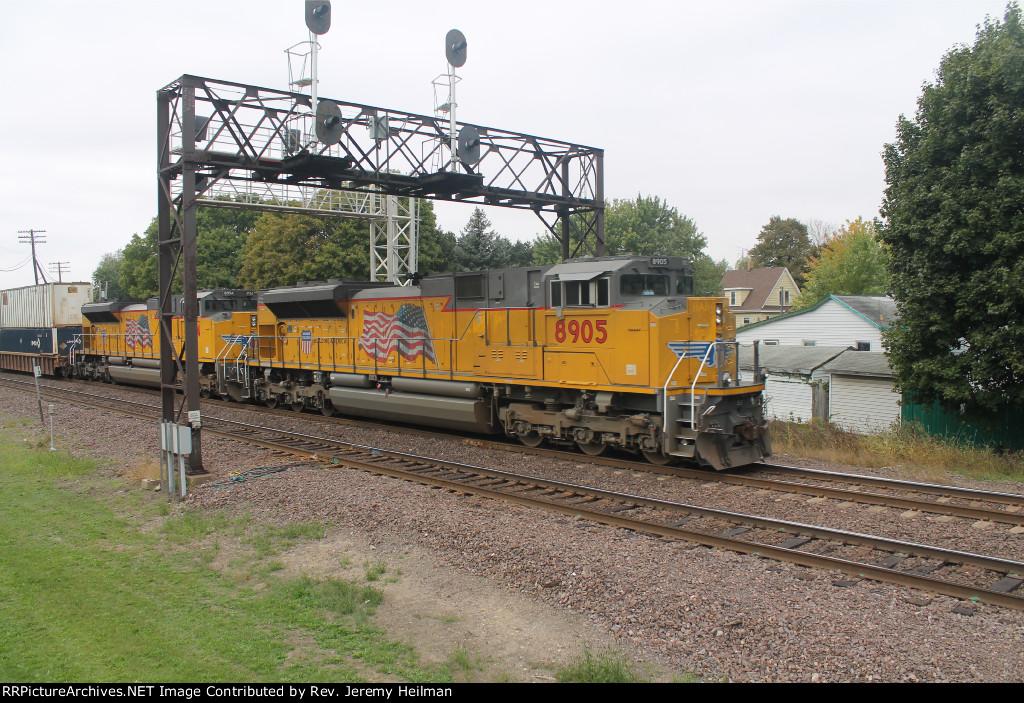 UP 8954 & 8905 (2)