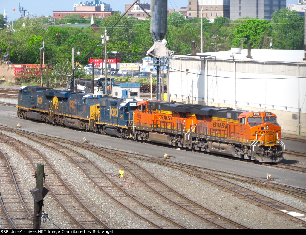 BNSF 8120 and 6885