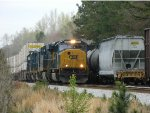 CSX 4813 (SD70MAC) 3012 (ES44AC-H) 6480 (GP40-2) 2253 (Road Slug) 2642 (GP38-2)