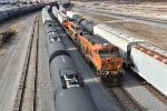 BNSF 6735 Leads a freight into Galesburg IL.