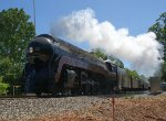 Out of both yards, Montview and Kinney, 611 highballs it to Roanoke.  Seen here at Logan's Lane in Lynchburg.