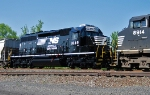 NS 1649 on 44T