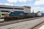 Two CSX GE's pull into Worcester with an intermodal in tow