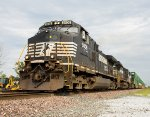 NS 9406 leads a stack train west