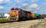 BNSF 555 and 2892