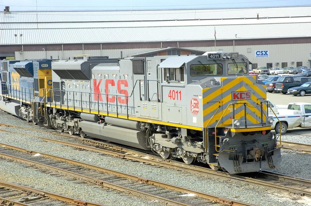KCS 4011 visits Bryian Park Terminal