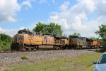 UP 5987 overtakes CSX 3269